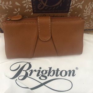 Brighton tan leather wallet